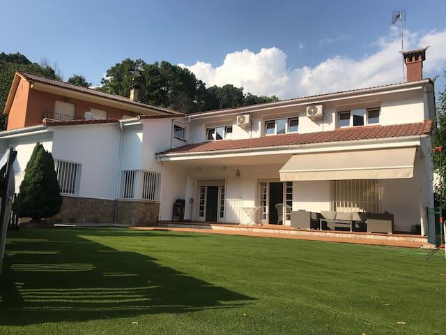 EL LLANO-El Hornillo, Tu pueblo. Sierra de Gredos.