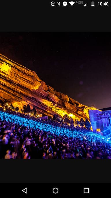 Welcome music fans! King Bed with full private bath and separate entrance 20 minutes from world famous Red Rocks ampitheather.