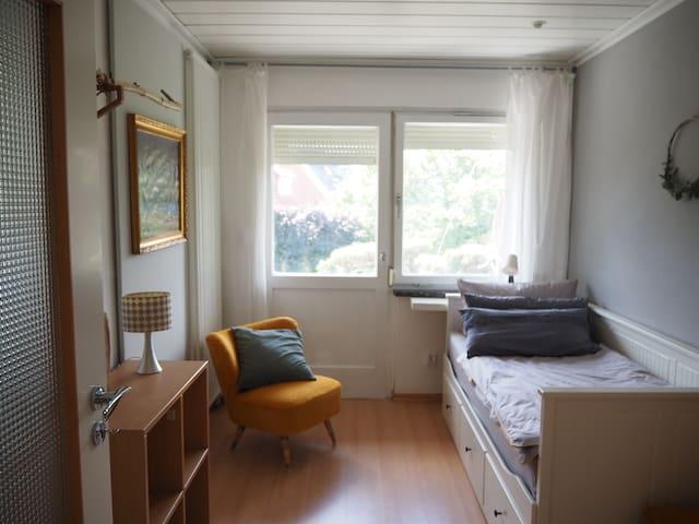 Schlafzimmer 3 mit ausziehbarem Bett