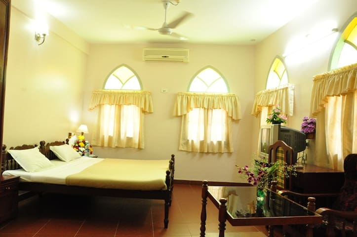 Heritage Ac double rooms  2 nos 5999/- - Kochi - Apartment