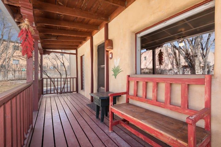 Yucca #8 Taos Lodging -  Hist Dist w/ Hot Tub