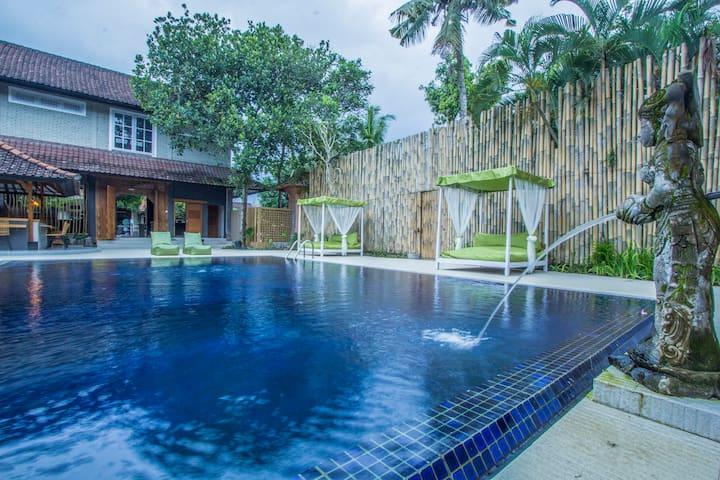 1 BR Peaceful Villa at downtown Ubud