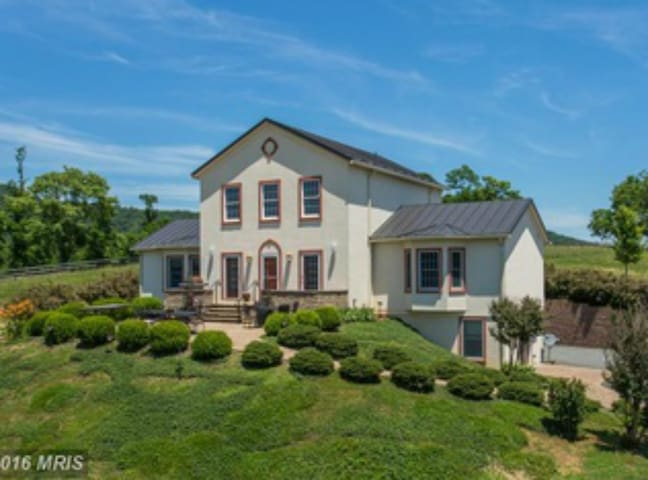 "Swan Lake Farm for ""town and country"" lifestyle - Washington - Villa"