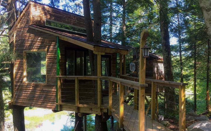The Beaver Pond Treehouse @ Vermont ReTREEt