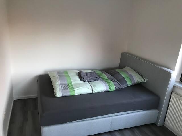 30 € Schönes Zimmer in moderner Doppelhaushälfte