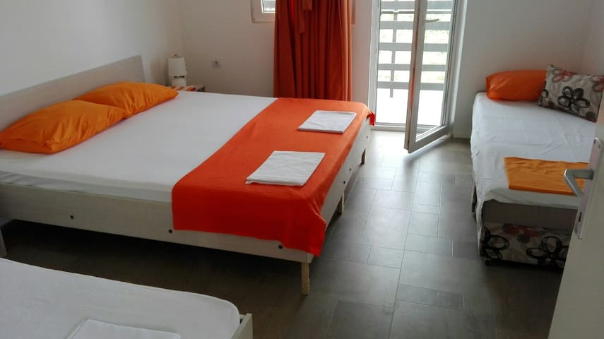 Apartments Villa Naumovi (Orange)