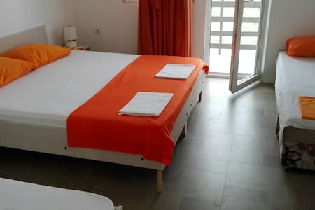 Apartments Villa Naumovi (Orange) - Star Dojran