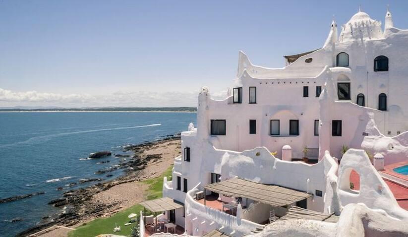 Hotel Casa Pueblo Paez Vilaro Punta del Este