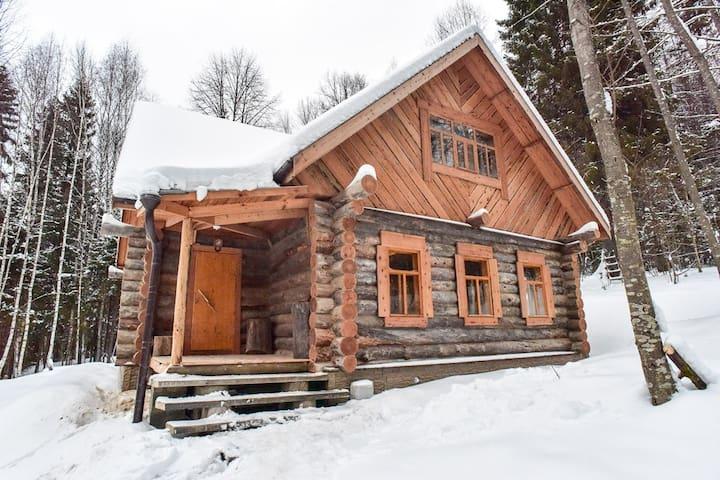 Домик в лесу для Лыжников - Pereslavl-Zalessky - Alojamento ecológico