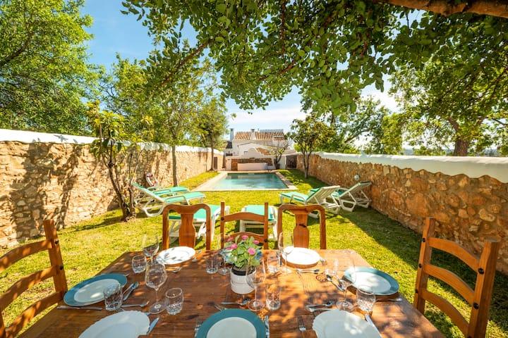 Villa Monte Algarvio - Private Pool - Sleep 8 - Air con - Free wifi