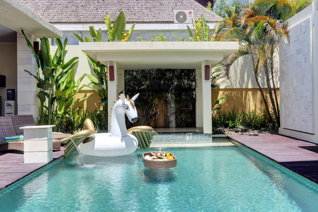 1br Private Pool Villa Kitchen In Seminyak Bali Villas For Rent In Kuta Bali Indonesia