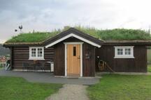 Koselig hytte på gård i Folldal