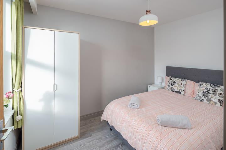 1 Bed Apartment - easy reach of Paddington