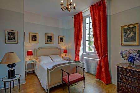 Chambres doubles dans un Château en Normandie - Beuzevillette