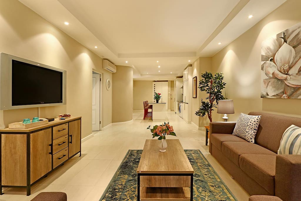 The whole apartment is in a single layer, so it is very convenient with a wide sense of space.