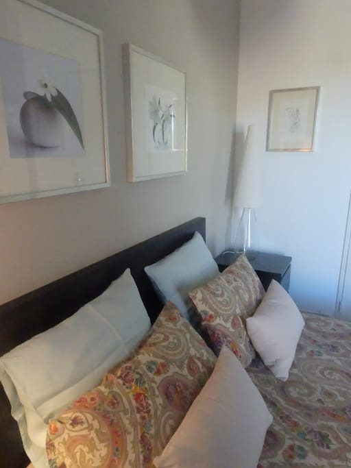 Chambre double condominiums for rent in salon de for Maison d en france salon de provence