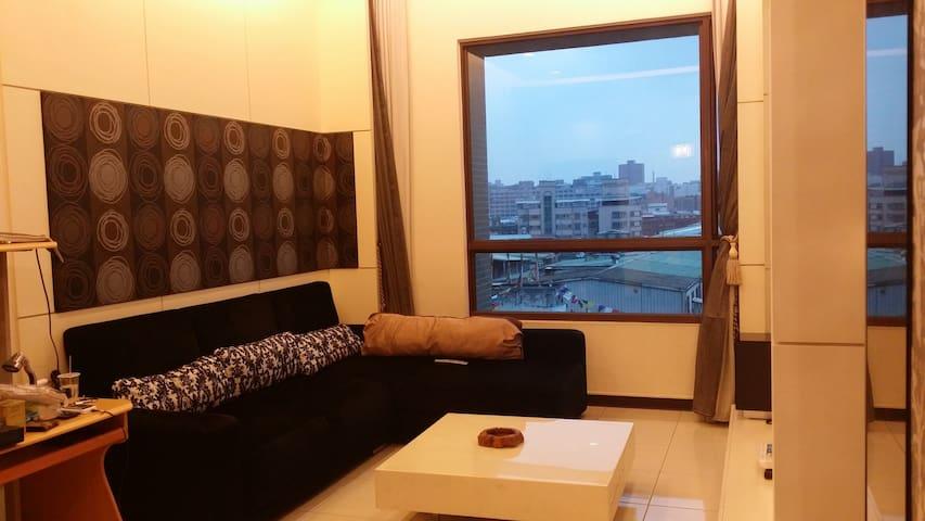 五星飯店24小時進出管理,位新北市中和區市中心,到西門町15分鐘(目前已經出租到2017年8月) - Zhonghe District