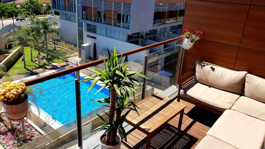 Ático/ Penthouse/ Loft with  pool , parking, WIFI