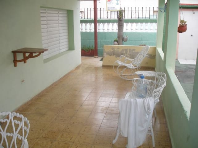 Beautiful house near the beach 1 or 2 bdr - Cárdenas - House
