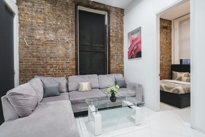 Modern 3 Bedroom Chelsea Loft Sleeps 6 - New York - Appartement