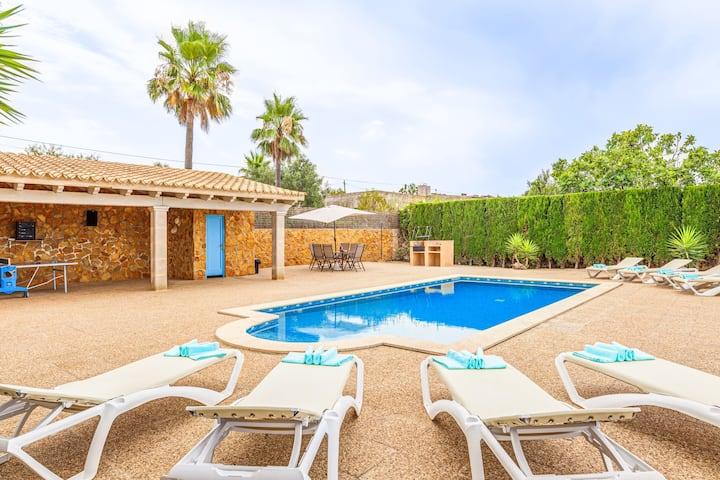 """Splendida """"Villa Sa Tanca"""", con vista mare, vista montagna, Wi-Fi, piscina, giardino e terrazze, parcheggio disponibile, animali domestici ammessi"""
