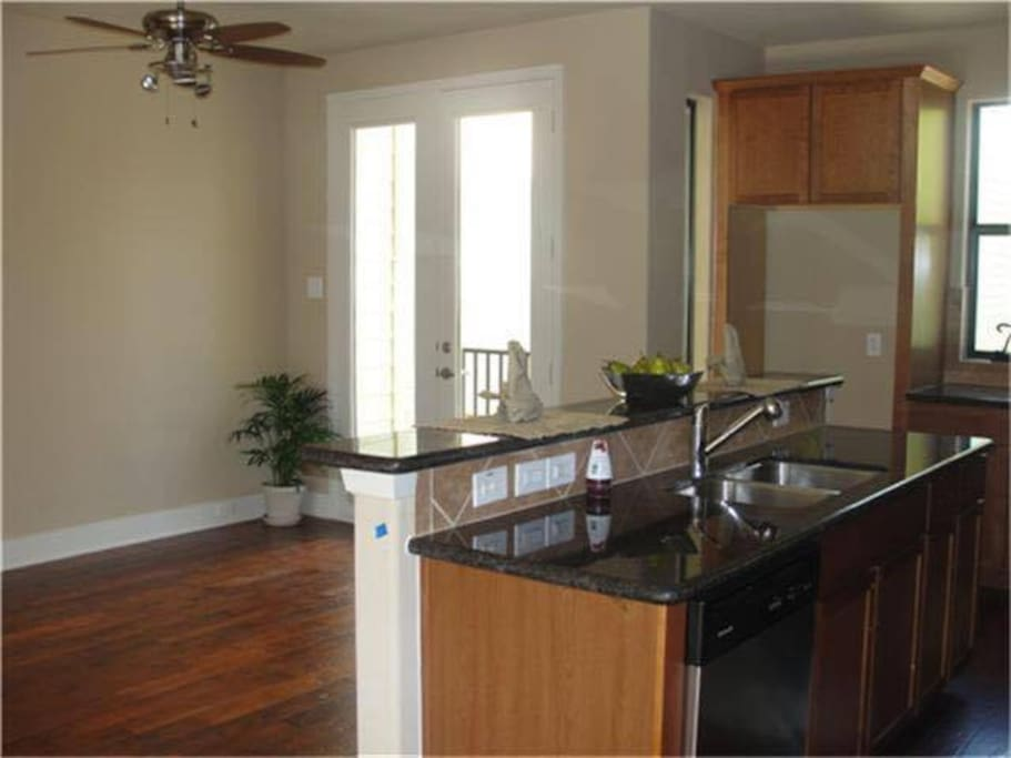 Kitchen will have refrigerator, pots/pans and a big kitchen table that seats 6. (Not pictured)