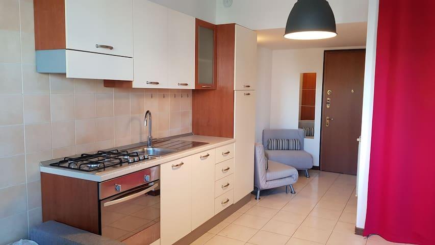 Intero appartamento senza spese per Centro e Fiera