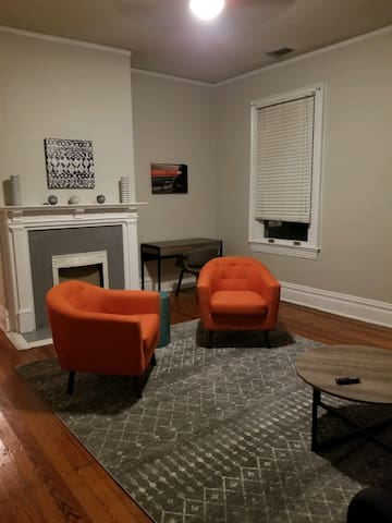 Southern Style - Large 1 bed/1bath