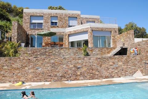 Gaou Bénat, chambre paradisiaque piscine chauffée