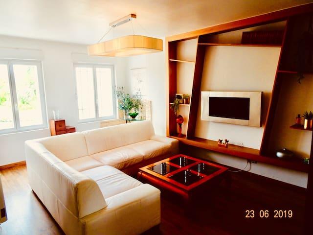 Bel appartement lumineux et calme