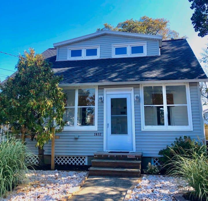 Stylish Belmar house, yard, quiet, near everything