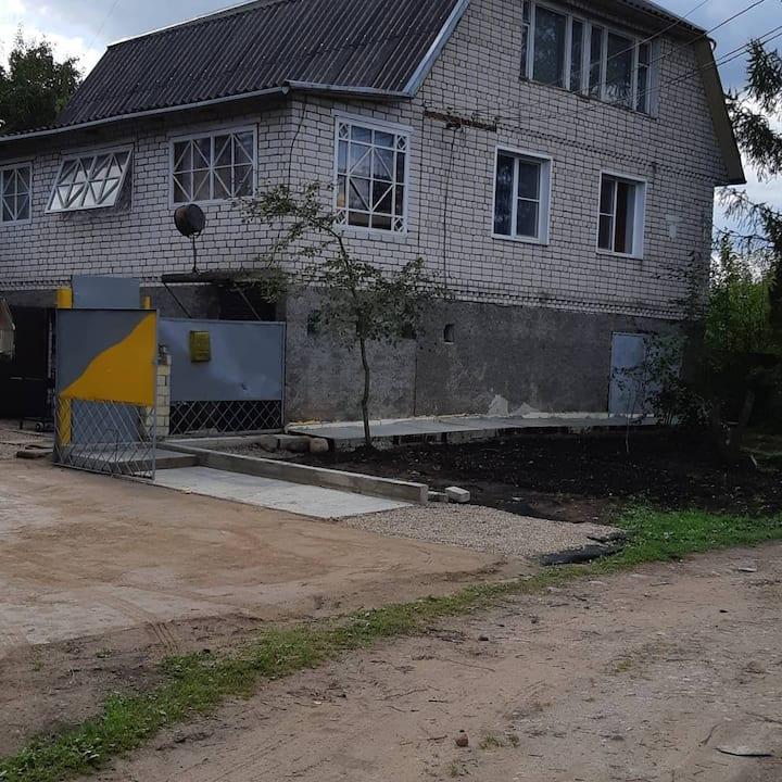 Большой частный дом с виноградником и садом