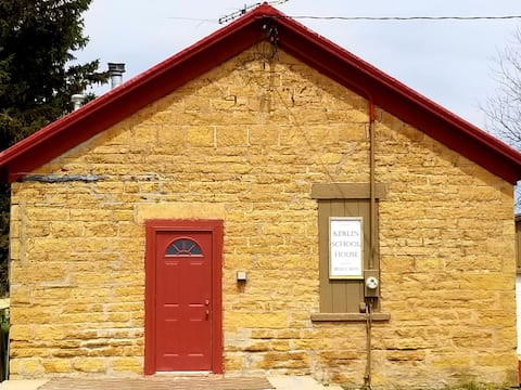 Unique Country Getaway @ Kerlin Schoolhouse!