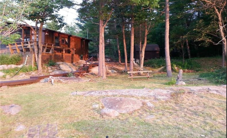 Pointe Au Baril Cottage with a View