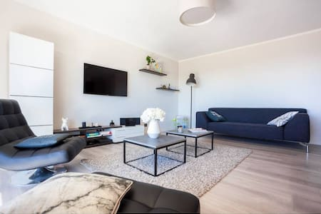 Modern and quiet 3-rooms appartement with seaview - Marseille