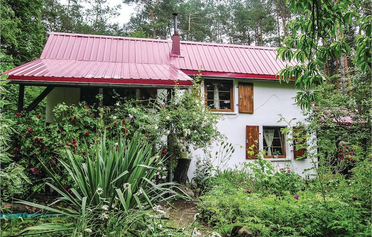 Holiday cottage with 2 bedrooms on 64m² in Drezdenko
