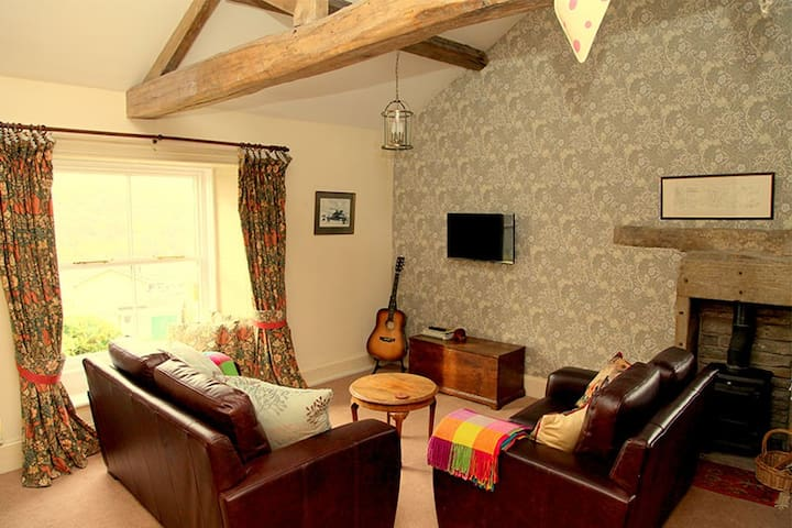 Burnlee House Apartment - Holmfirth - Apartment