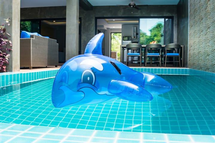 Luxury Pool Villa on the West Coast
