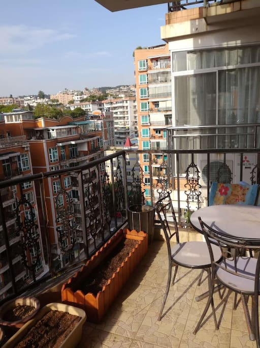阳台,喝点咖啡很舒服哦
