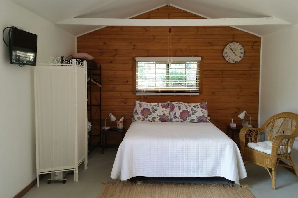 Large spacious,comfy cabin consisting of double bed,tv, & free   wifi.