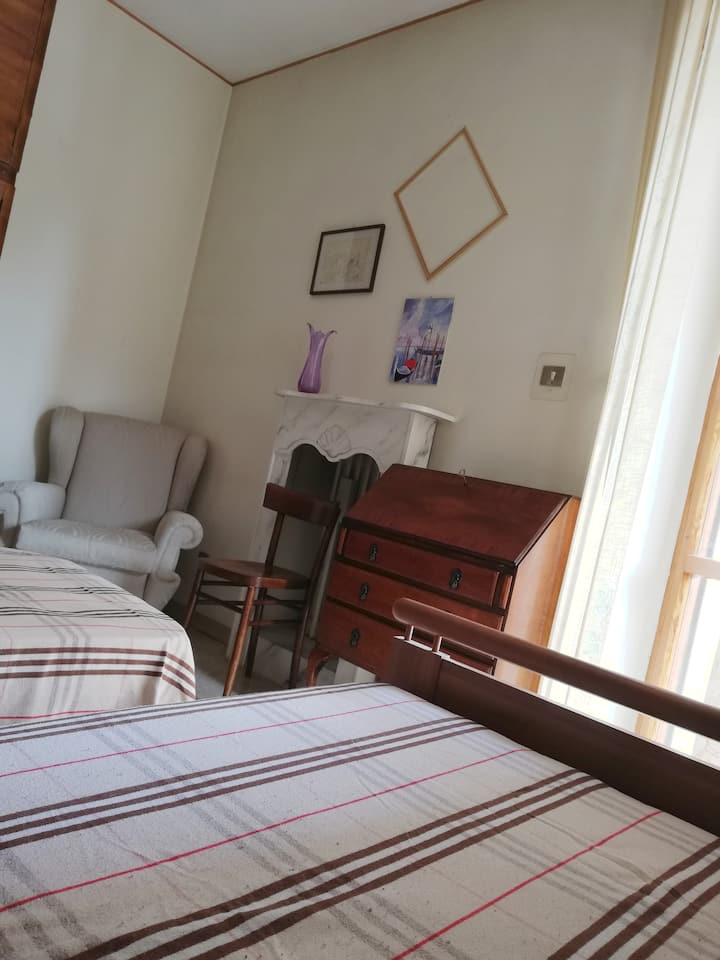 Bright double room in the city center