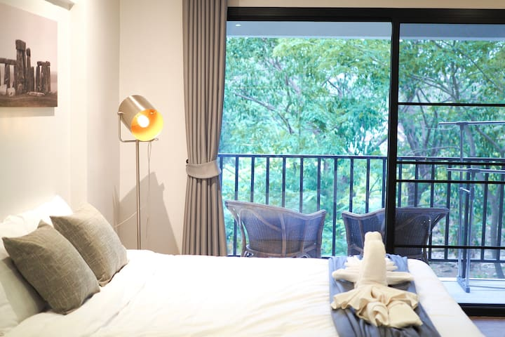 ★★EXCELLENT ROOM★★ with high speed WiFi & balcony