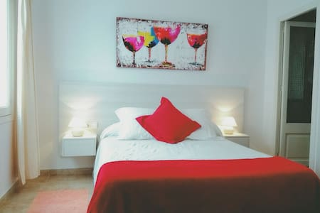 comfortable room with private bath! - puerto Pollensa