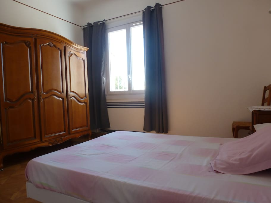 Chambre double low cost townhouses in affitto a hy res for Lavatrice low cost