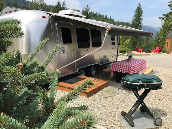 Glamping w/Amazing Amenities! Airstream@BlackRidge