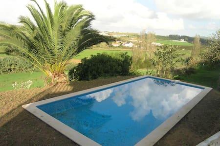 Villa Safarujo , moradia no campo com piscina - Santo Isidoro - Villa