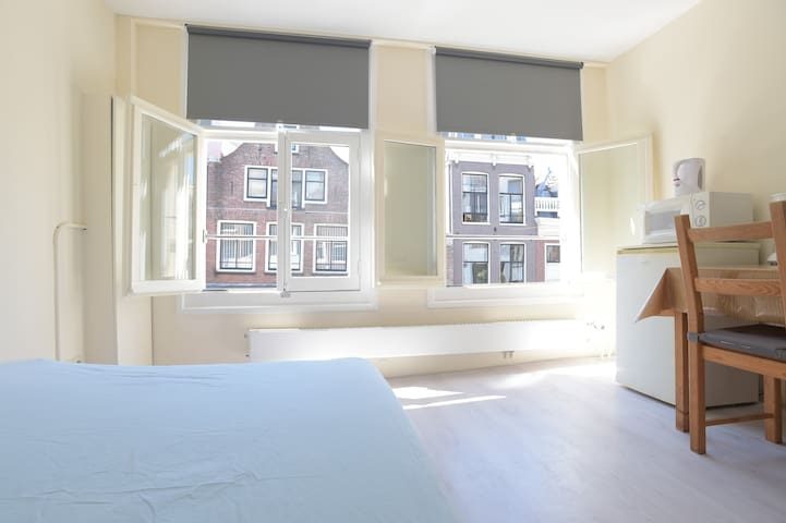 Is It Safe To Sleep In A Freshly Painted Room