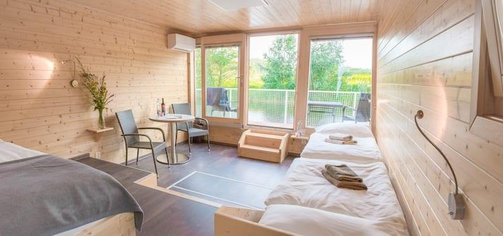 Hausboat without cabin - Ypsilon Golf Liberec