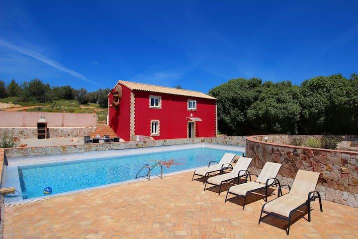 Casa Margarida, Farm Cottage, Wine & Art Estate, 2 Bedroom, Sleeps 5, Large Pool, terrace and BBQ - Estômbar - Other
