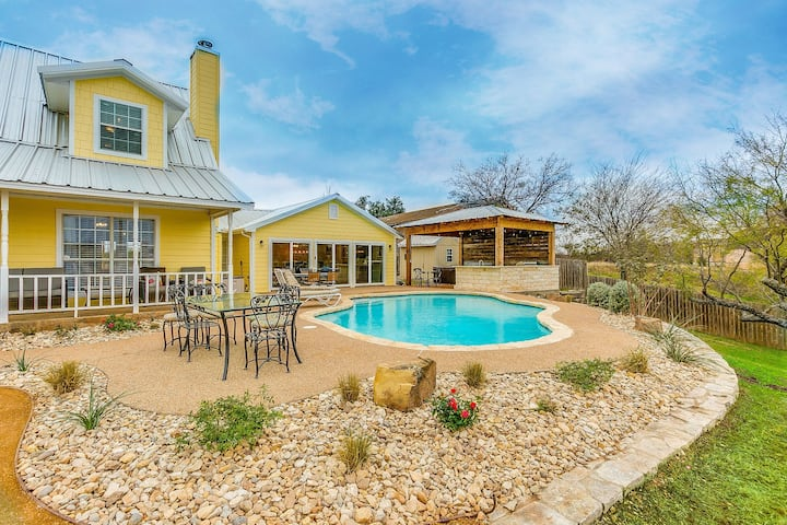 Lakefront w/ Pool, Hot Tub, Dock, Outdoor Kitchen